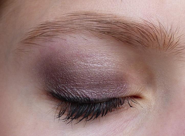 how to ooglook paarse oogschaduw