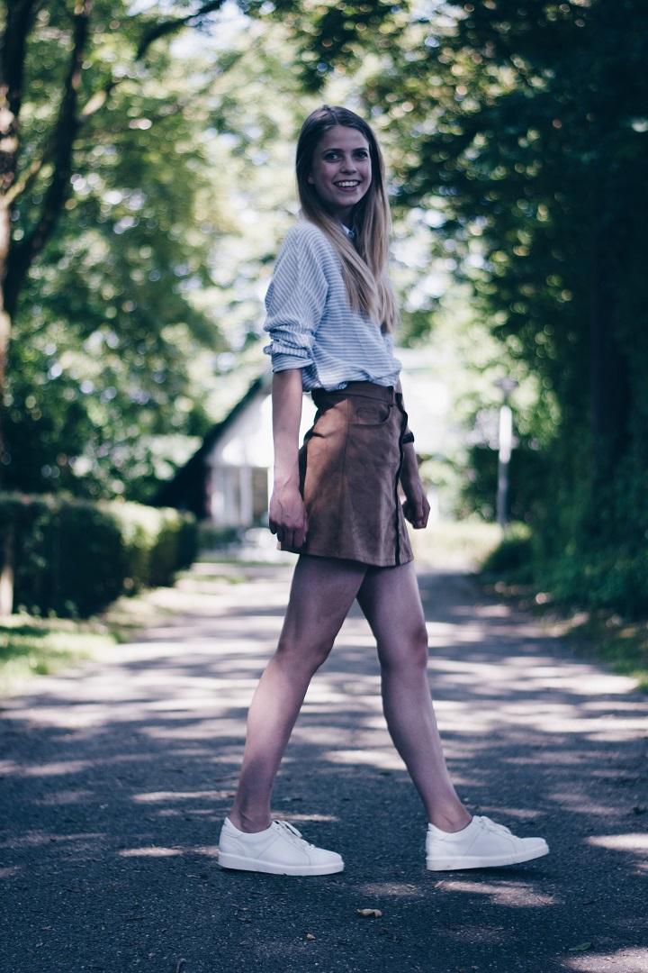 hoe combineer je een button skirt