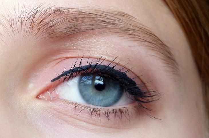 How to ooglook bruin roze