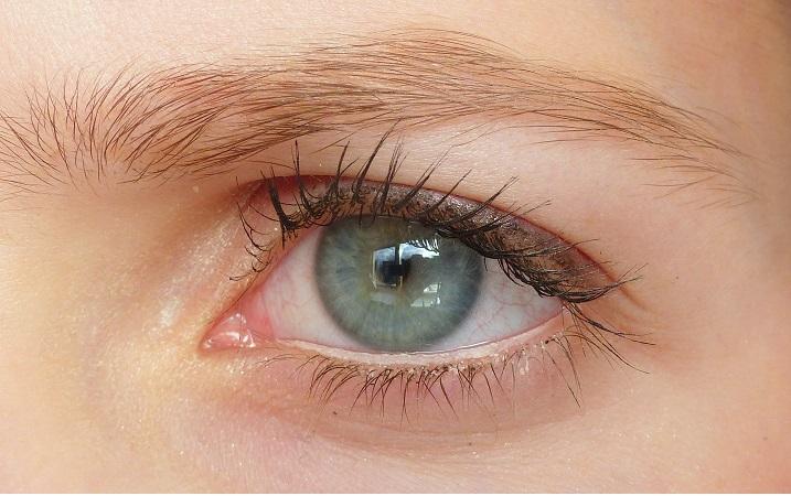 big bright eyes essence review