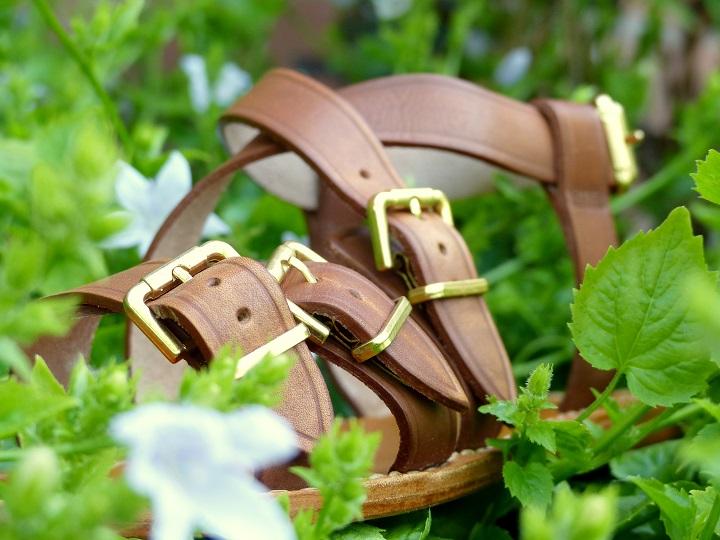 bruine leren sandaaltjes stevig