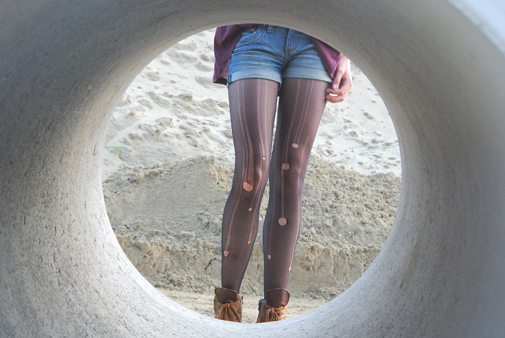 outfit ripped tights