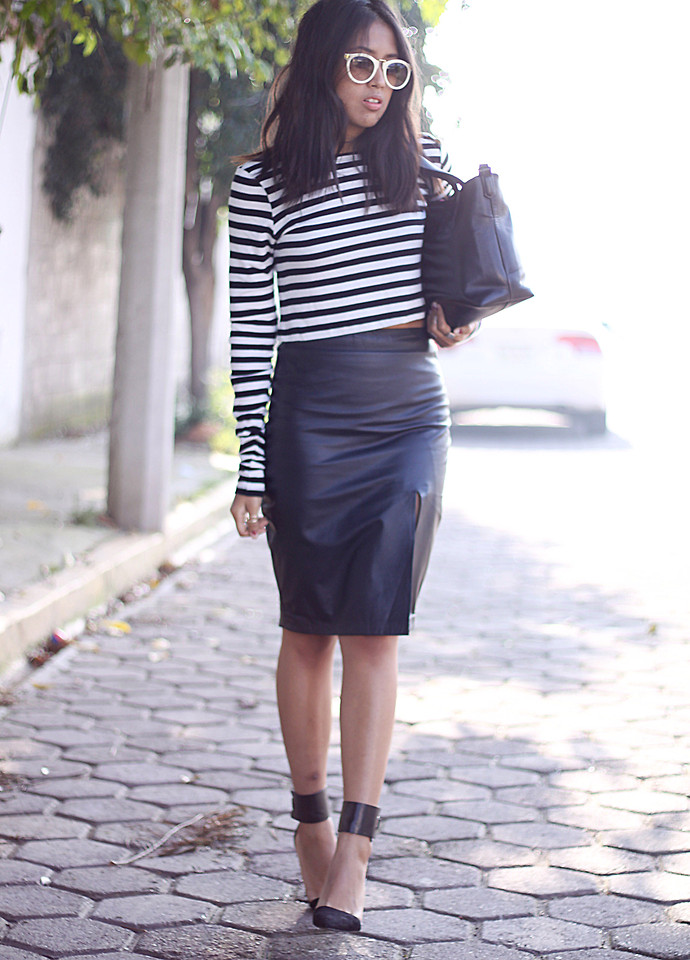 outfit striped cropped top