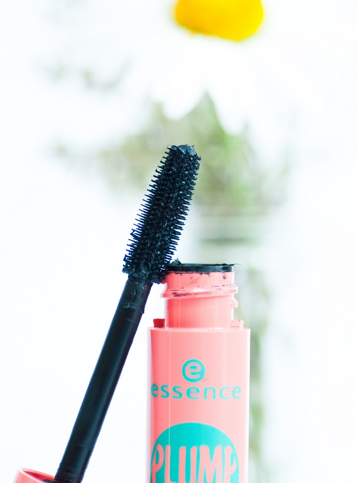 essence plump up mascara