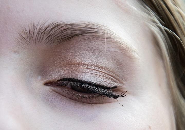 nude eyeshadow look