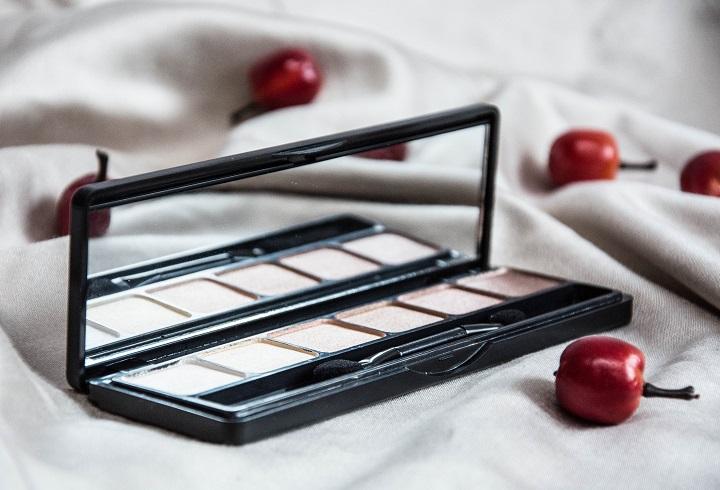 review nude eyeshadow