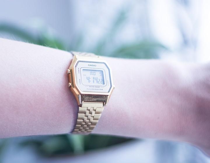 casio horloge goud