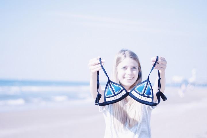 bikini triangl review