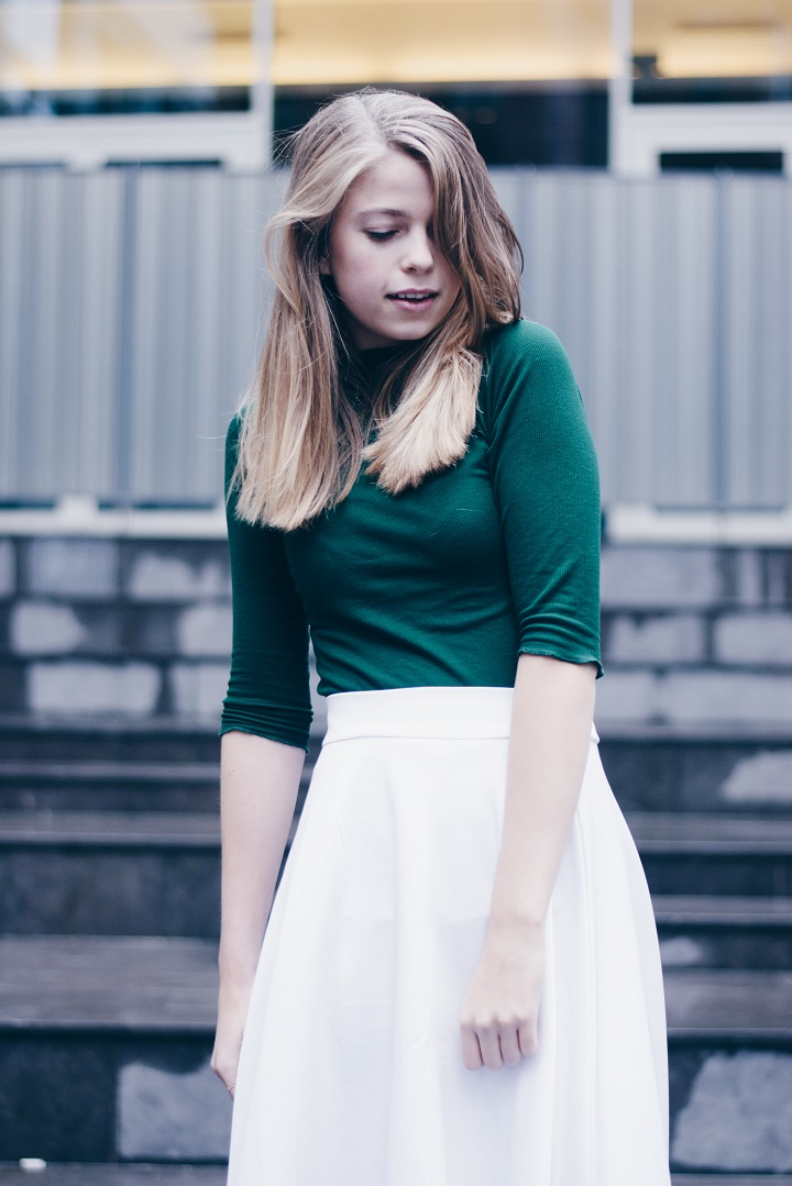 outfit-white-midi-skirt